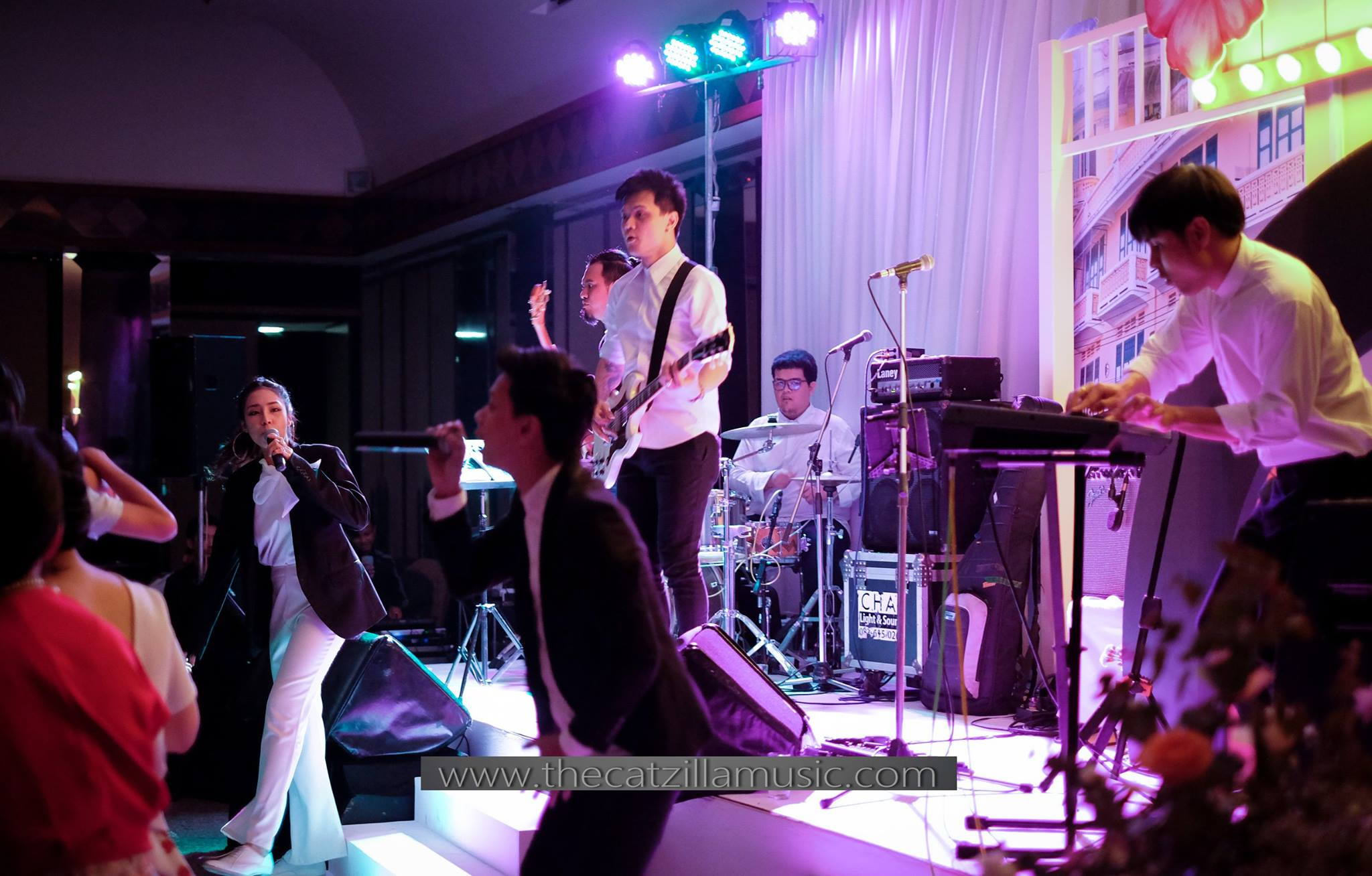 วงดนตรีงานแต่งงาน After Party Wedding บุ๋นแบนด์ Catzilla โรงแรมสุโขทัย