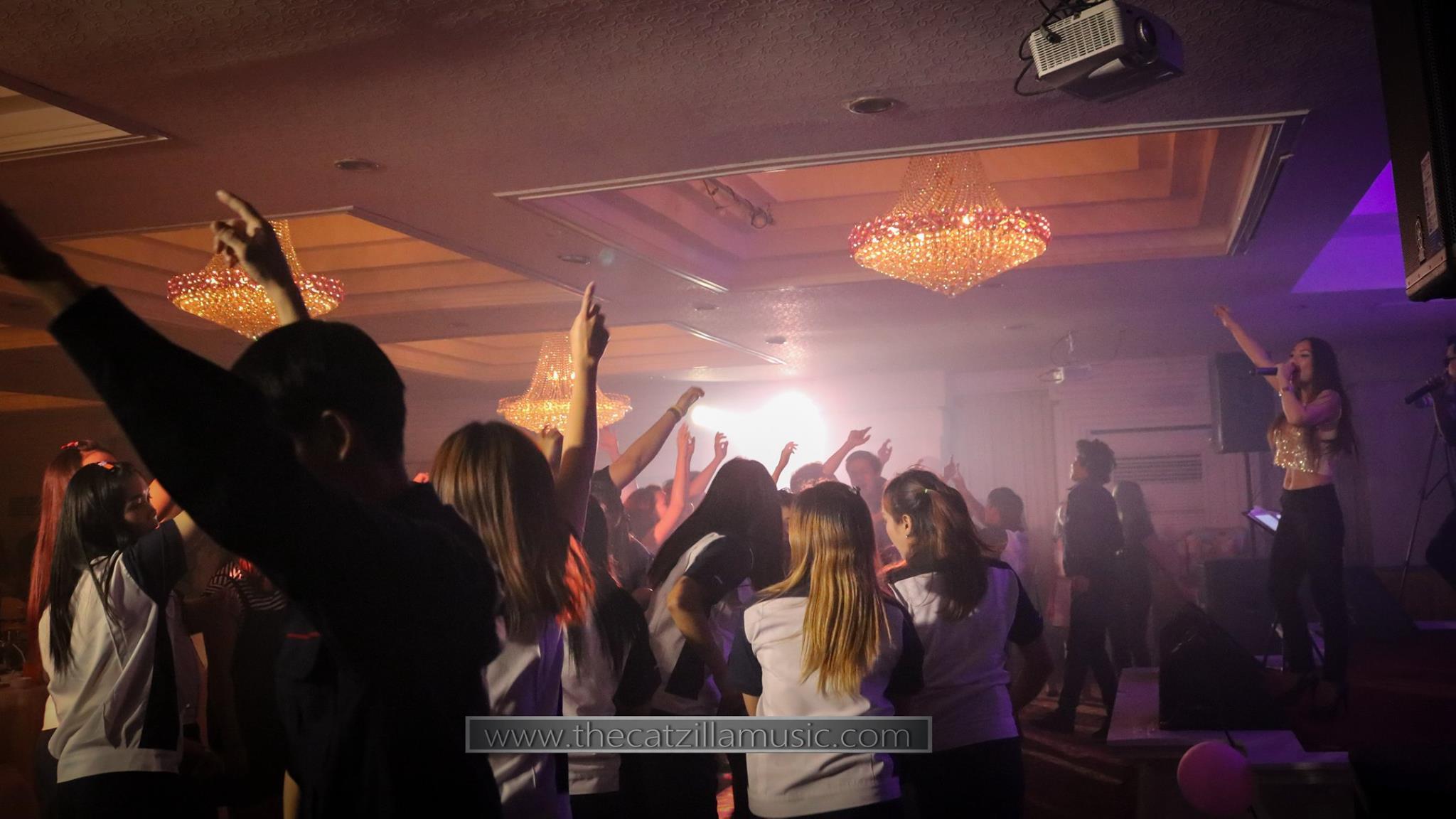 วงดนตรีงานเลี้ยง After Party งานแต่งงาน บุ๋นแบนด์ วงดนตรีสด After party wedding วงดนตรีงานแต่งงาน thecatzillamusic Avana 4