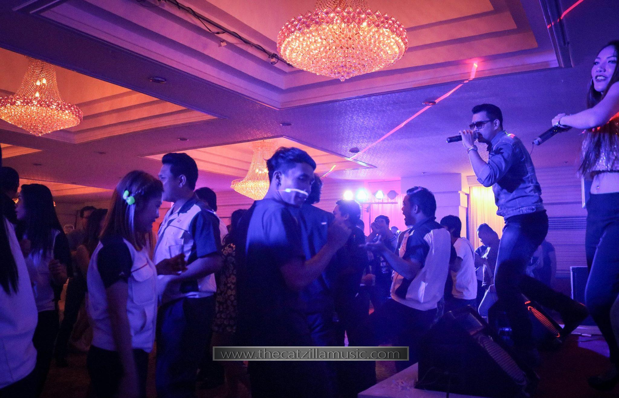 วงดนตรีงานเลี้ยง After Party งานแต่งงาน บุ๋นแบนด์ วงดนตรีสด After party wedding วงดนตรีงานแต่งงาน thecatzillamusic Avana 5