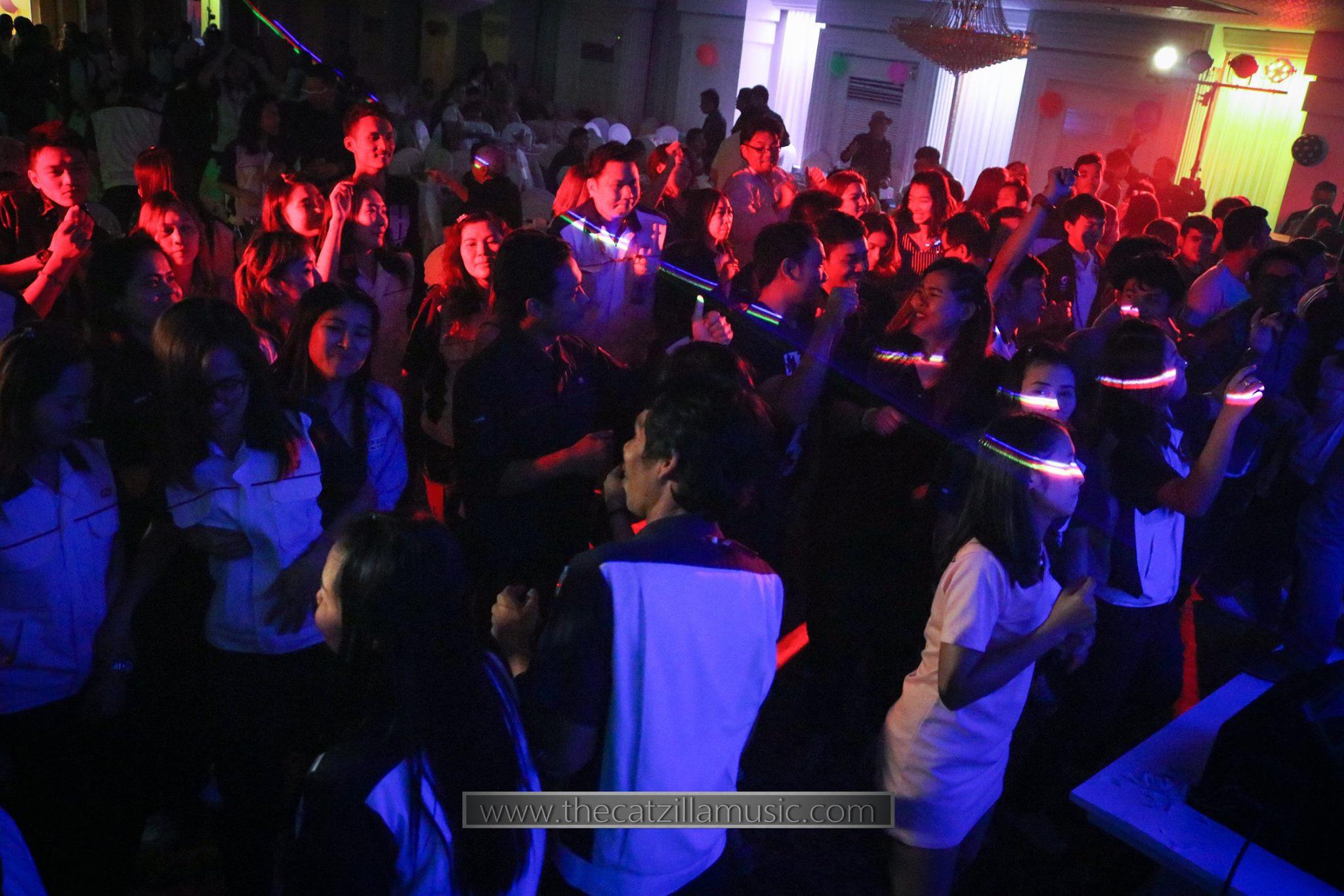 วงดนตรีงานเลี้ยง After Party งานแต่งงาน บุ๋นแบนด์ วงดนตรีสด After party wedding วงดนตรีงานแต่งงาน thecatzillamusic Avana 7