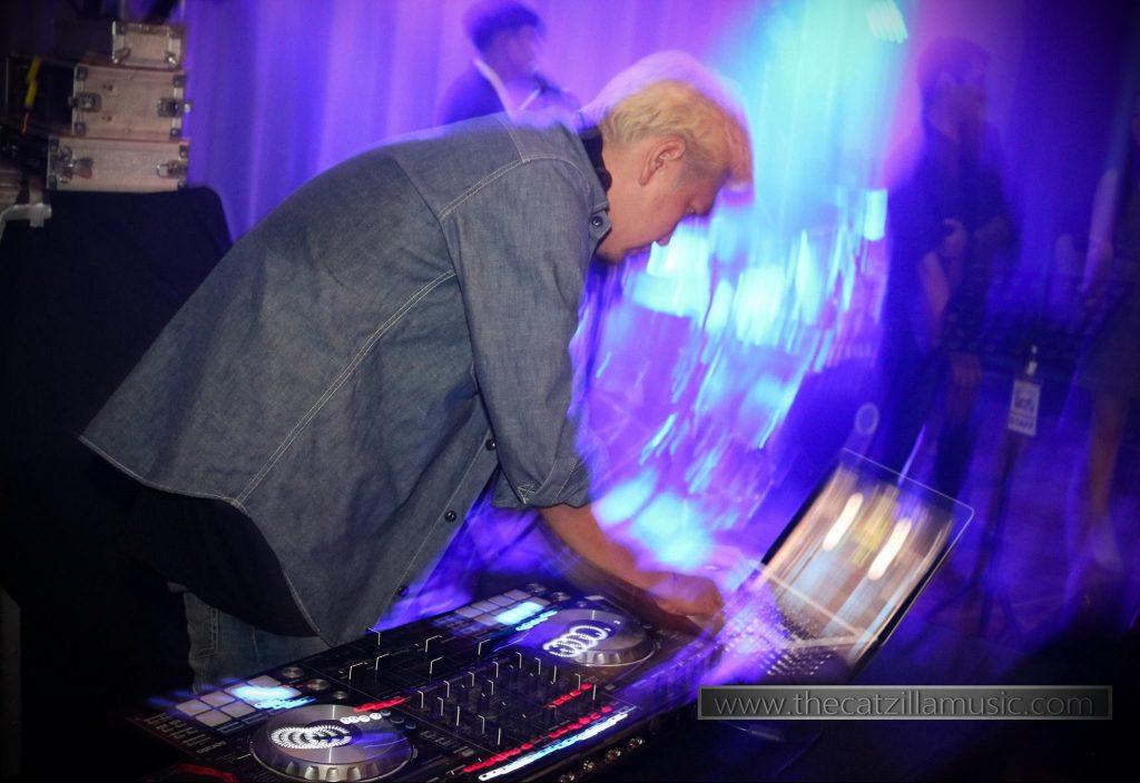 วงดนตรีงานแต่งงาน After Party Wedding บุ๋นแบนด์ Catzilla Novotel สุขุมวิท20 DJ