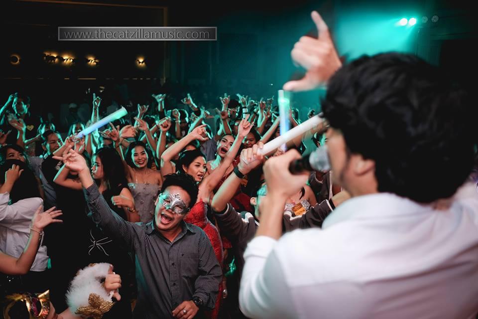วงดนตรีงานเลี้ยง-วงดนตรีงานเลี้ยงมันๆ-วงดนตรีงานเลี้ยงบริษัท-วงดนตรีงานเลี้ยง ราคา-วงดนตรีงานเลี้ยงปีใหม่-After Party Wedding-วงดนตรีสด-บุ๋นแบนด์-ปาร์ตี้-วงดนตรี after party ราคา-วงดนตรี after party ราคา