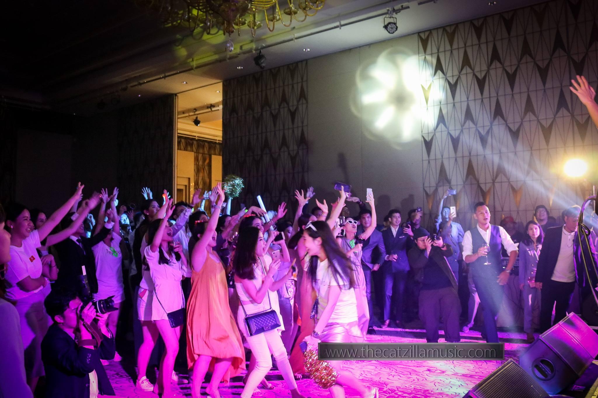 บุ๋นแบนด์-วงดนตรี งานเลี้ยง-วงดนตรี งานแต่งงาน-วงดนตรีเล่นสด-วงดนตรี After Party-วงดนตรีงานเลี้ยง ปีใหม่-วงดนตรีแสดงสด-หาวงดนตรี-แนะนำวงดนตรีงานแต่ง-วงดนตรีงานแต่ง มันๆ-After Party งานแต่ง-ติดต่อวงดนตรี-วงดนตรีเล่นสด-จ้างวงดนตรีงานแต่ง-Catzilla