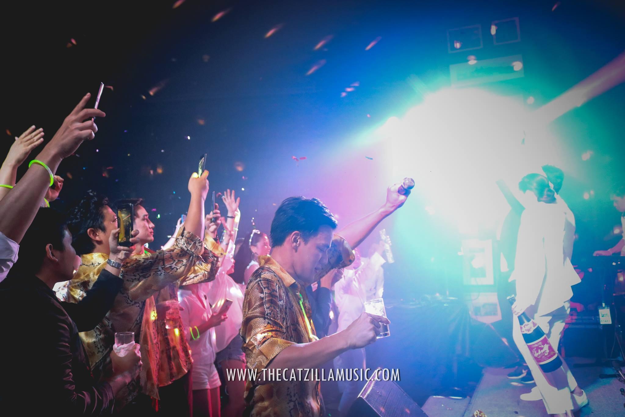 after party งานแต่ง-วงดนตรีงานแต่งงาน-after-party-วงดนตรีงานแต่ง-วงดนตรีงานแต่งมันๆ-JW-Marriott-Bangkok-Wedding-บุ๋นแบนด์-Catzilla-วงดนตรี-after-party-ราคา-จ้างวงดนตรีสด-วงดนตรีงานแต่ง-วงดนตรีงานเลี้ยง